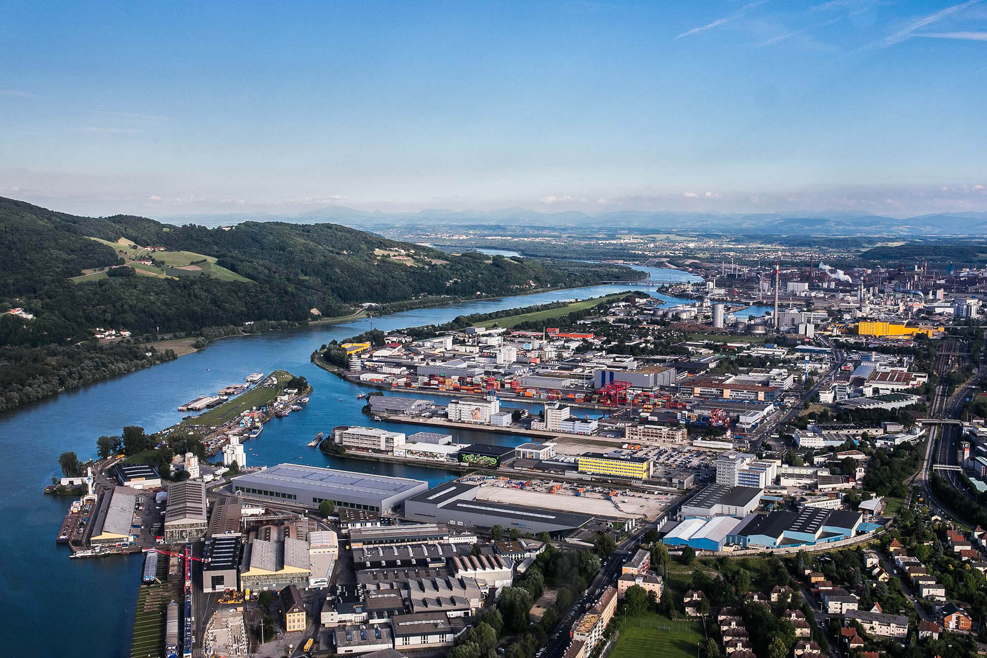 linz austria harbor alps flap photography fotograf philipp greindl photographer linz austria