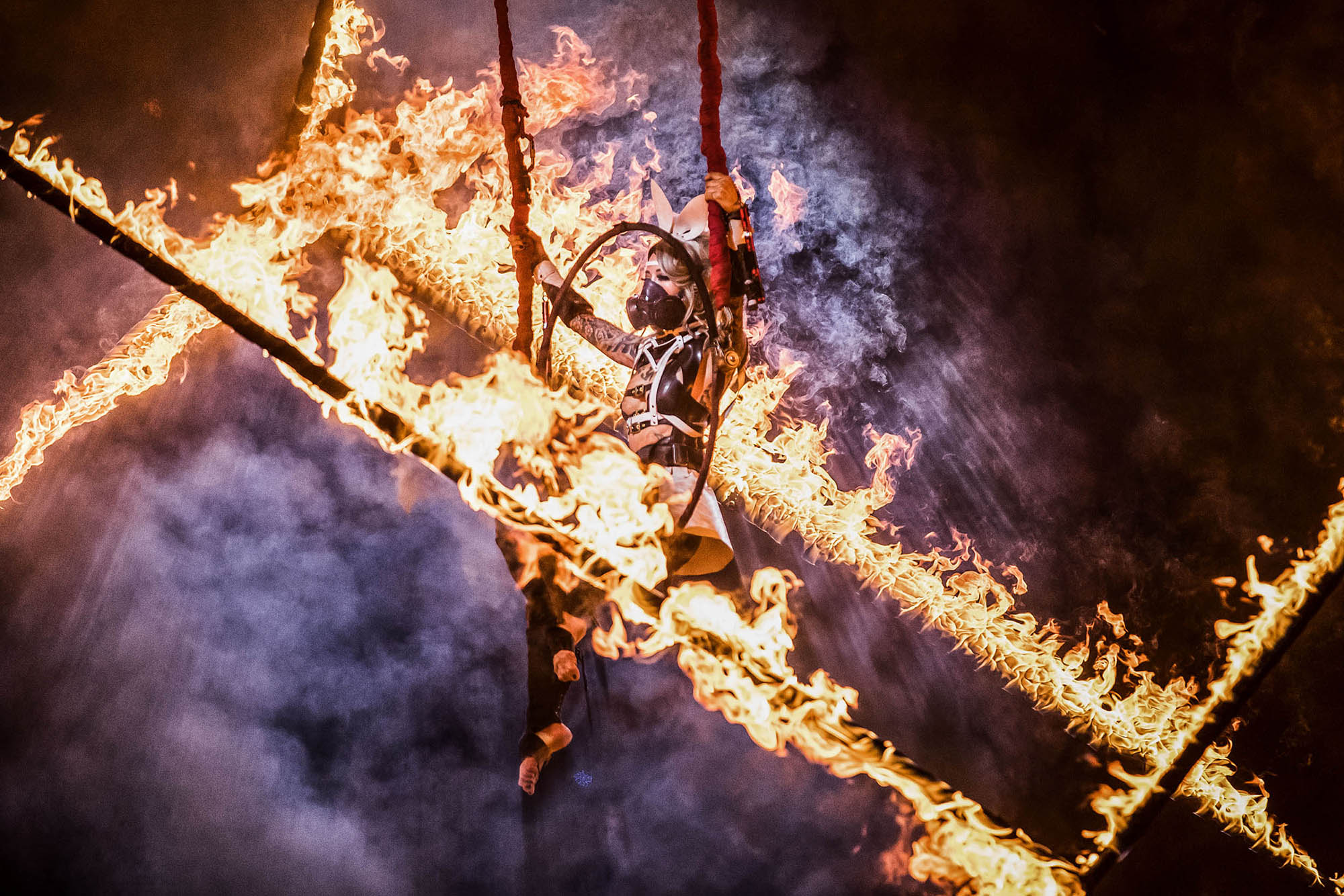 fuel girls fire yusura circus action sports photography sportfotografie flap photography fotograf philipp greindl photographer