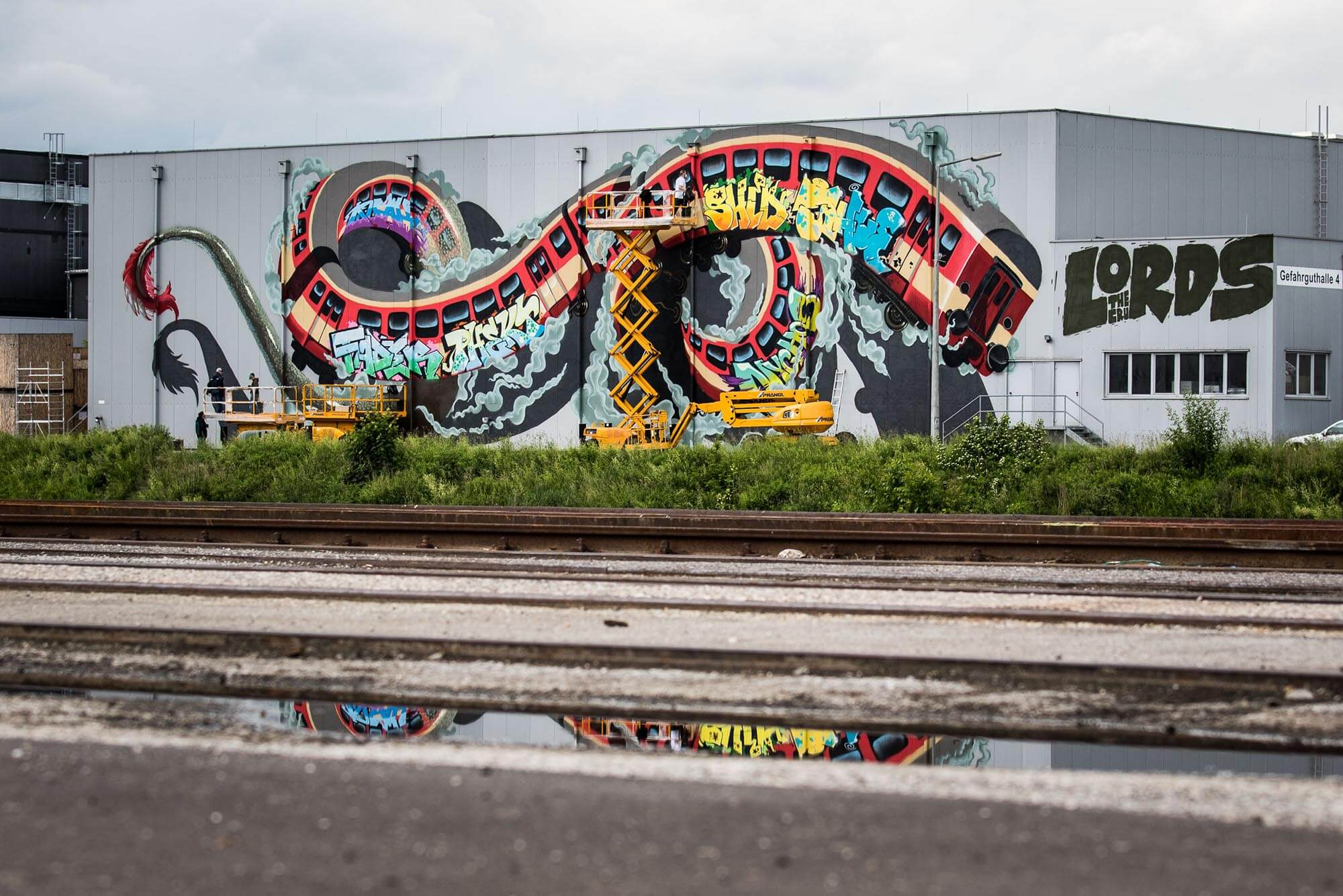 mural harbor graffiti linz the lords crew nychos robotics flap photography fotograf philipp greindl photographer